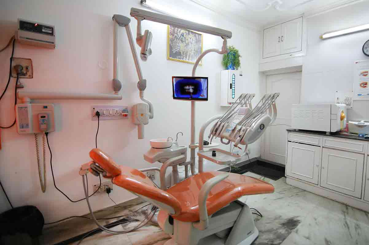 best dentist in pitampura